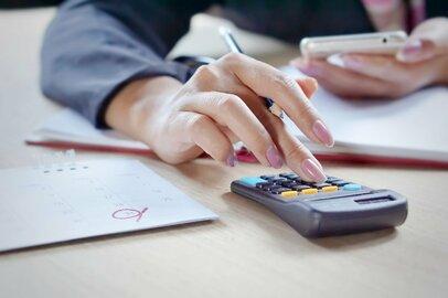 40代〜70代までの世代別、貯蓄額・負債額の平均値とは?