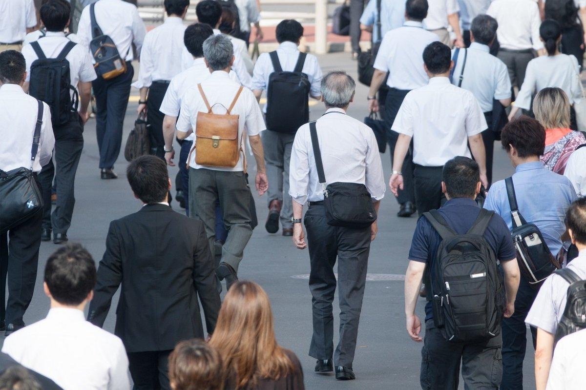中高年社員の再就職を進めるのに有効な副業解禁、企業にもメリットあり?