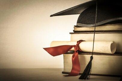 早稲田大学・政治経済学部の学生が就職する上位企業ランキング
