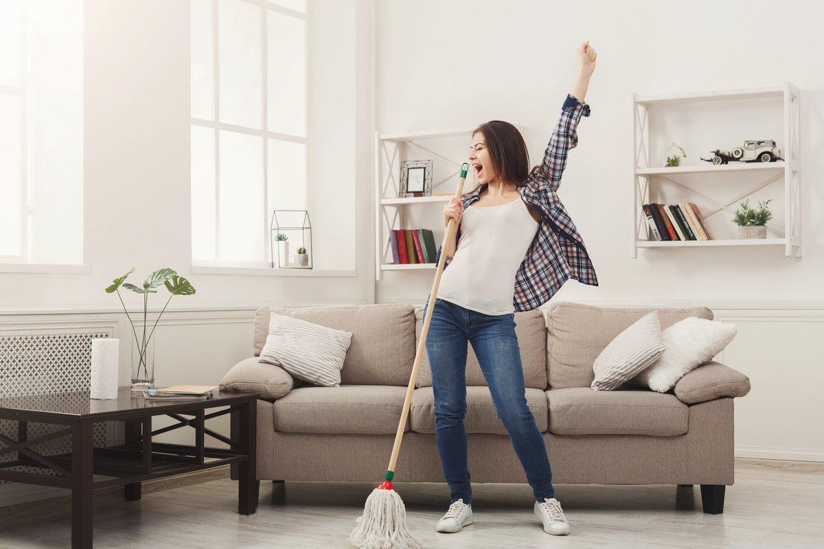 「ながら掃除」でいつでもキレイ!時間節約しながら家をキレイに保つ6つの方法