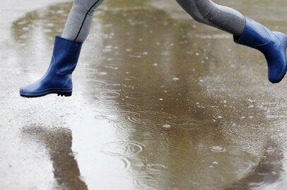 機能性とお洒落が叶う「ワークマン1900円防水スカート」梅雨に最適
