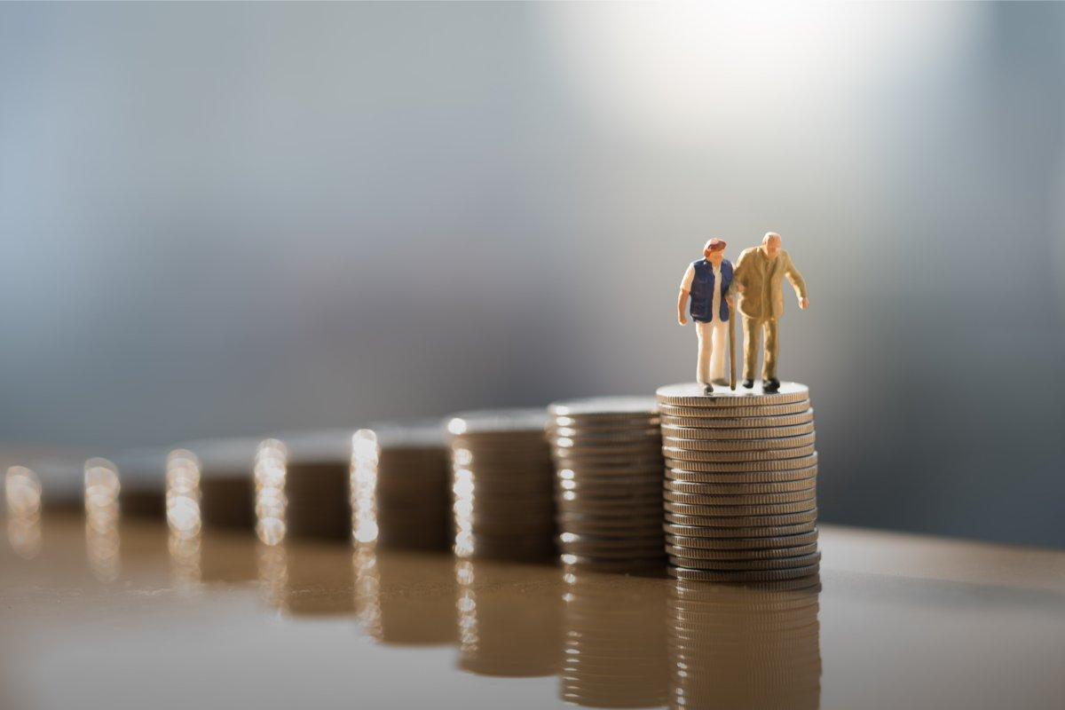もうすぐ定年だけど、うちは大丈夫?60代世帯の貯蓄額はいくら?