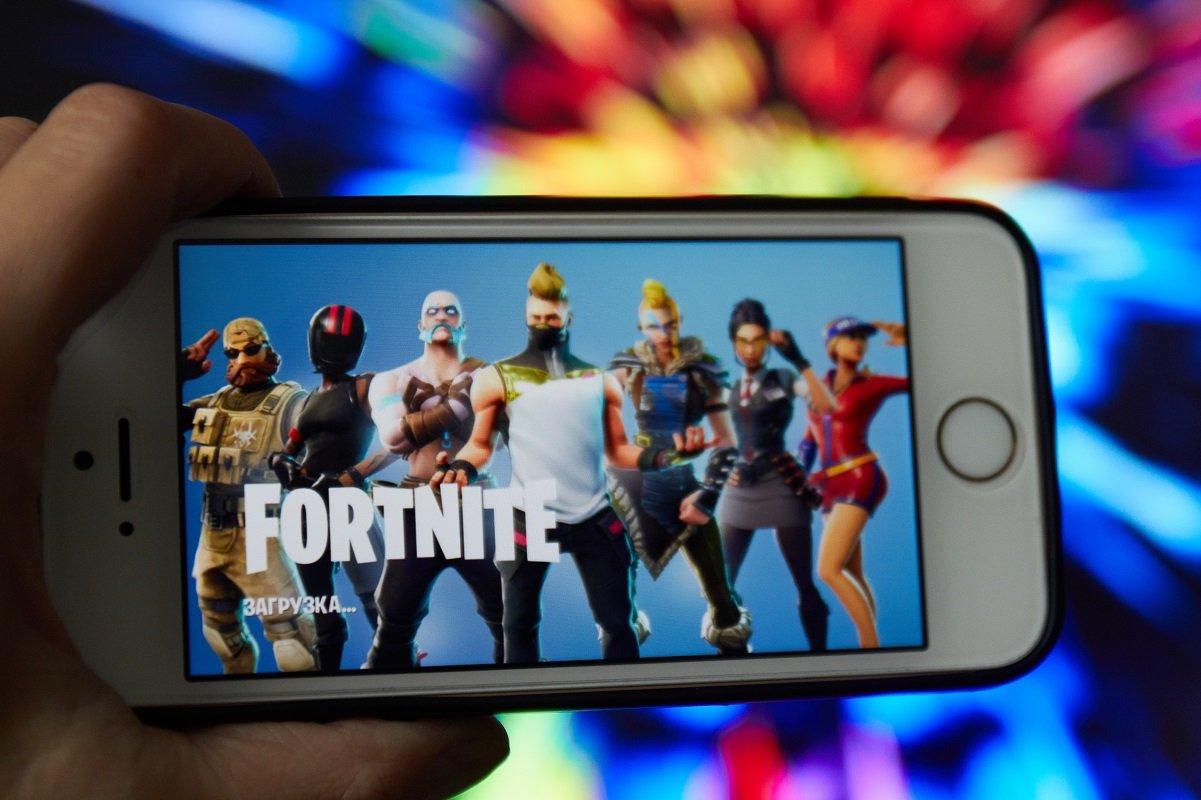 コロナ禍で小学生にも人気上昇のオンラインゲーム。そこにはどんな危険がある?