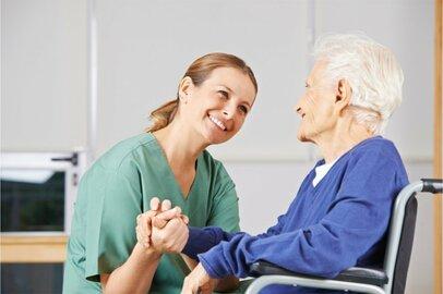 介護支援専門員(ケアマネージャー)の給料はどのくらいか