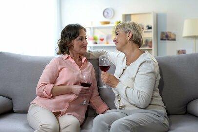 姑との関係で悩む妻たち。「余計なトラブルを避ける」方法