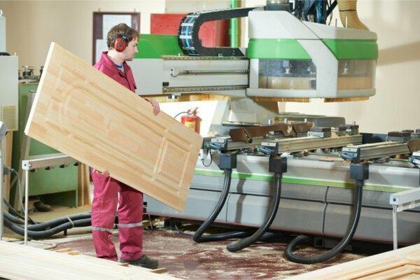 建具製造工の給料はどのくらいか