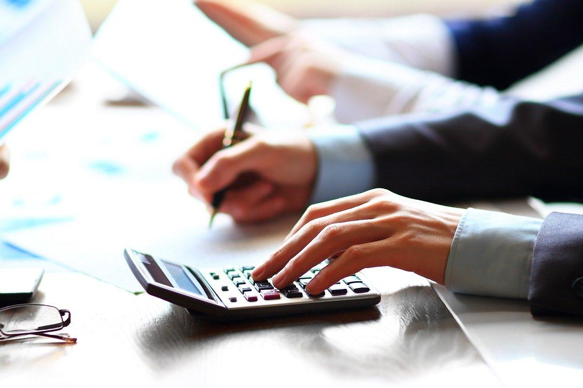 有給休暇を取ったら給与が下がる? 有給休暇中の給与の計算方法