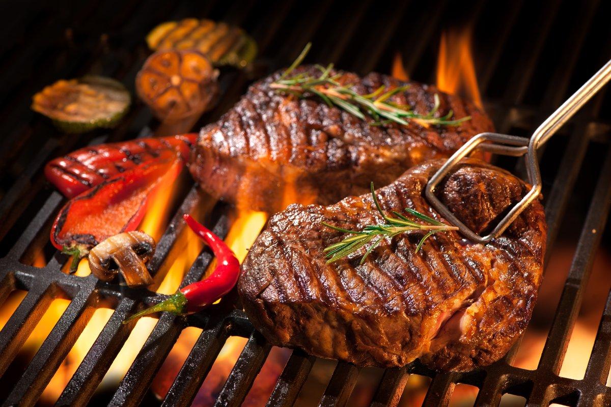 【スノーピーク】分厚いステーキも美味しく焼けるグリルが人気