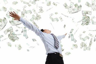 サラリーマンで年収1000万円稼ぐことができる企業は?
