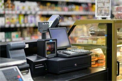 スーパー店チェッカーの給料はどのくらいか