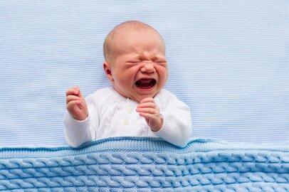 「寝ぐずりは可哀想」のひと言がママを傷つける…ストレスをためない方法は?