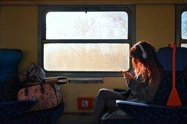 電車での迷惑行為ランキングが見落としている意外な不快行為