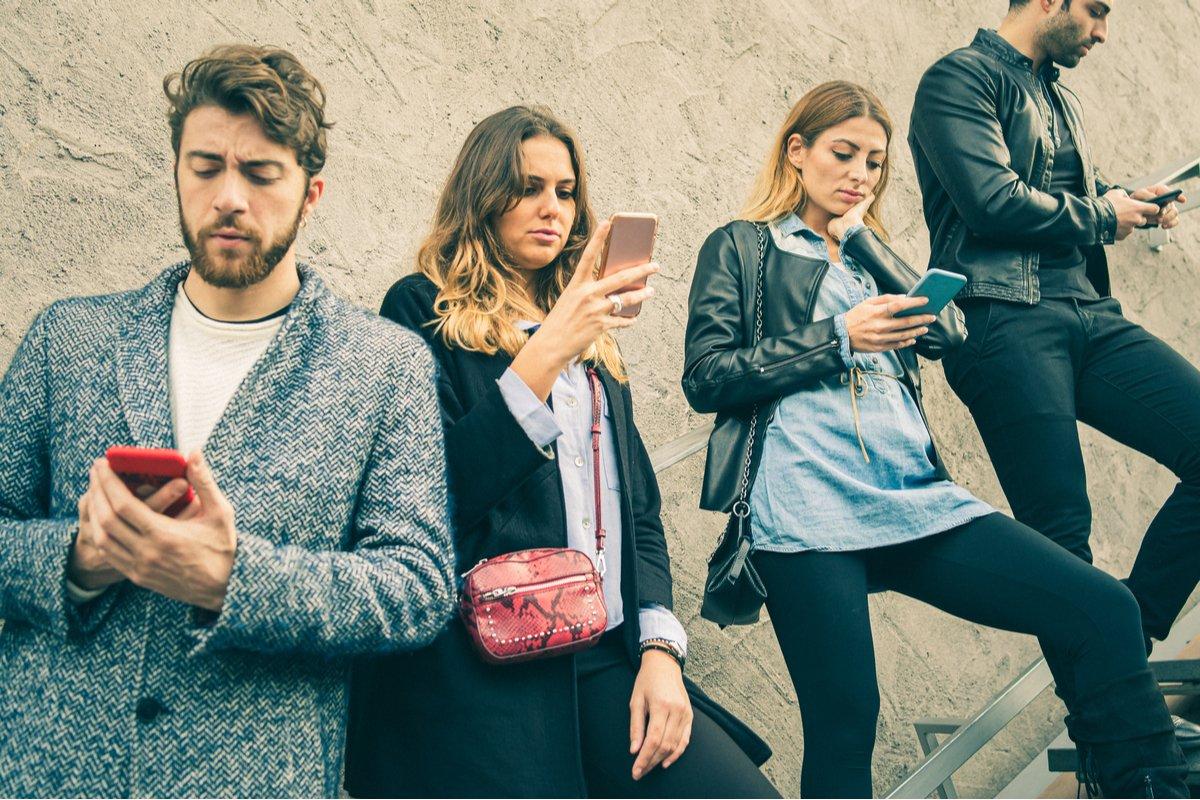 「現在の生活に満足している」20代、収入も買い物も背伸びしない