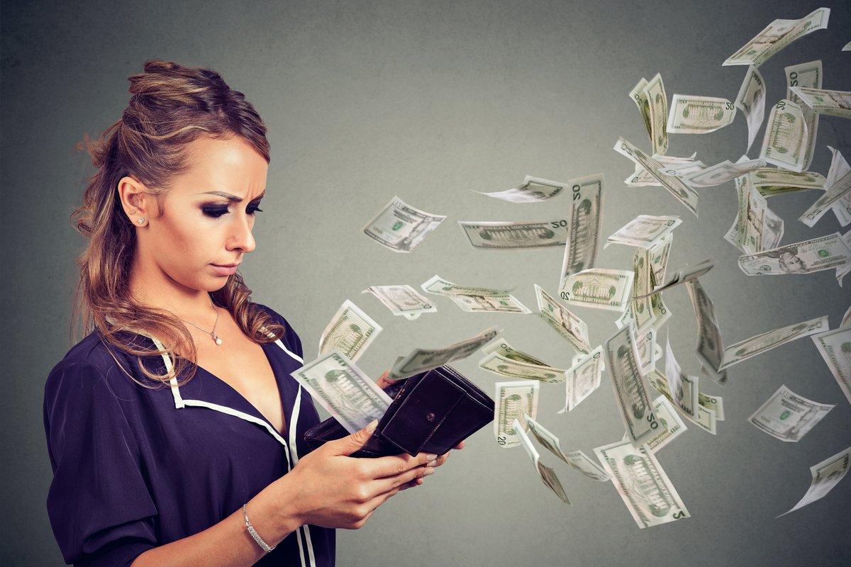 収入はあるのに貯まらない…『高年収貧乏世帯』の実態