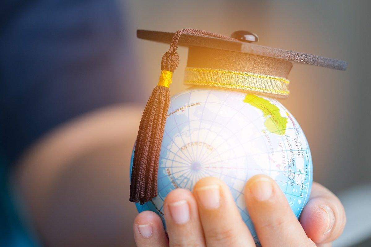 進学費用の備え「月0円」が約3割。子どもの教育資金の実態