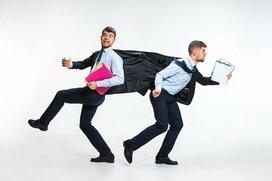 職場にいる「足を引っ張る人」は何が厄介?  会社員4人に聞いた特徴