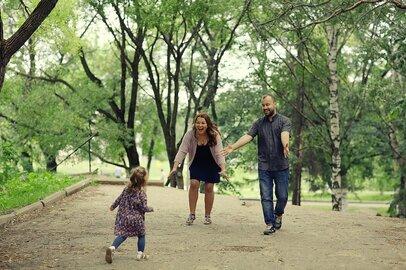 「生まれてくる子供は親を選べない」養子縁組・里親で家族になる親子の幸せ