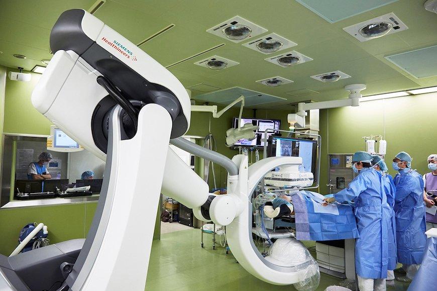 増えるハイブリッド手術~各社が最新血管撮影装置を投入~