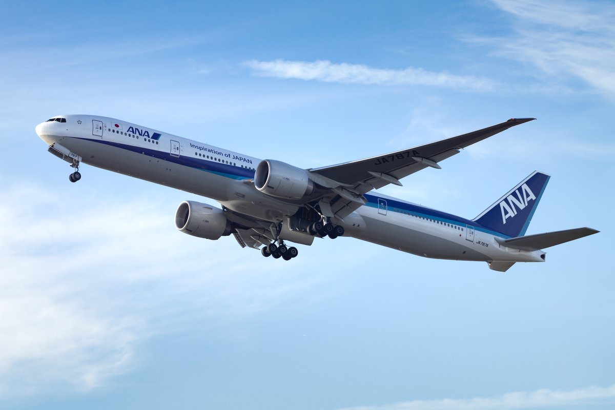苦境に立つ航空会社、ビジネスの「路線変更」その行き先
