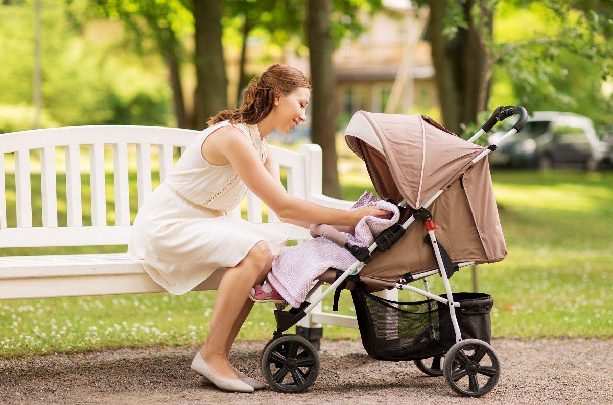 ベビーカーでは子どもの熱中症に要注意。だけど休憩する場所に困る!