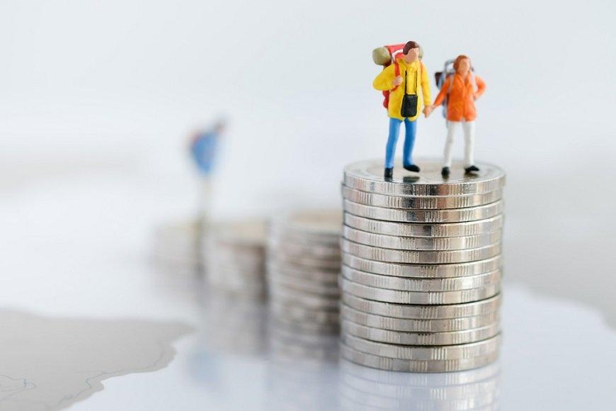 老後資金3000万円が貯められるか不安…夫の問題、妻の問題