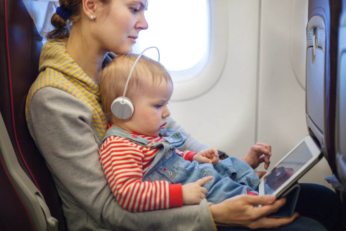 「子連れ電車・飛行機」には幼児向け雑誌が助かる!帰省・旅行の「困った」解決法