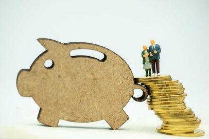 55歳の人の年金額はいくらになる?~老後リスクに備えた資産形成~