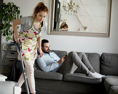 「何をやっても協力しない夫…」夫に家事や育児に参入してもらうコツ3選