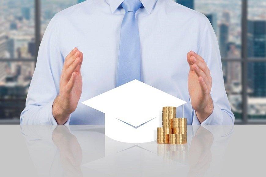 費用をかけた挙句にプア化が進行!「資格投資プア」にご用心