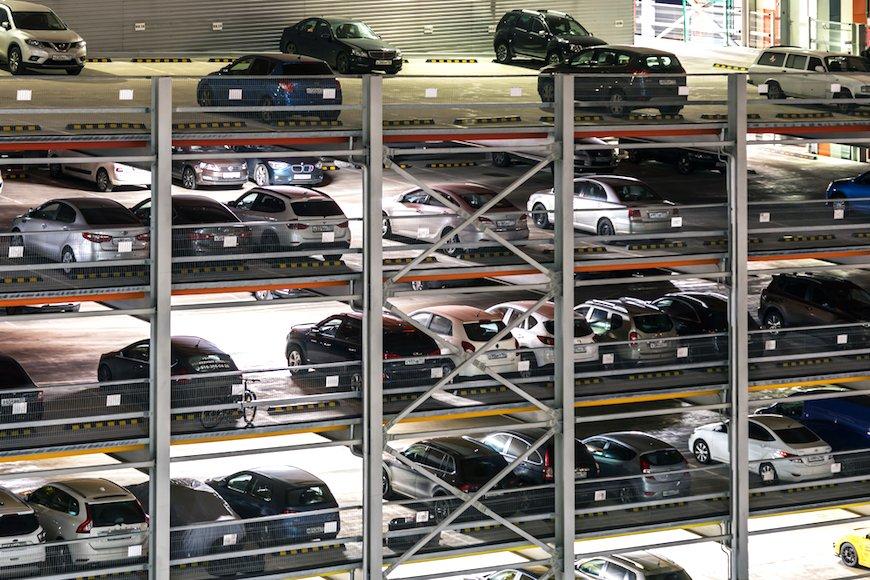 五輪特需後にどう備える? 海外の立体駐車場に商機を見出した日成ビルド工業