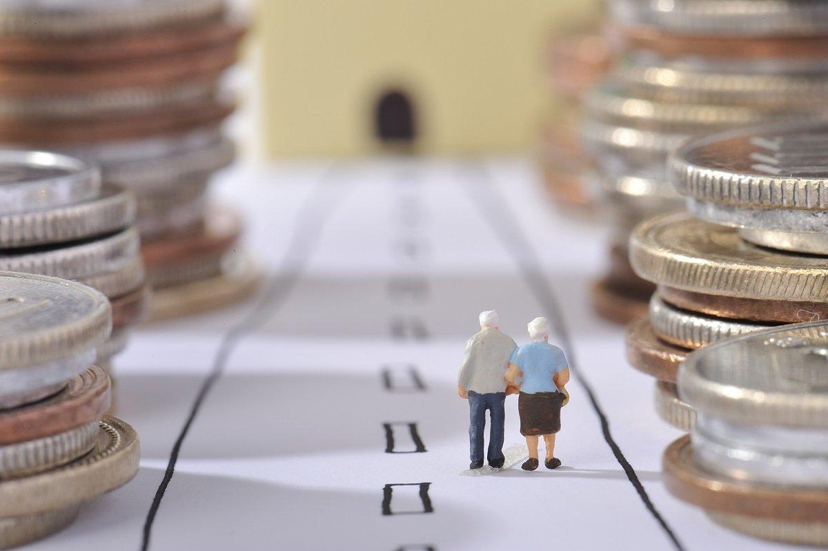 リスクを抑えてお金の寿命をのばす - 人生100年時代の分散投資 <HSBC投信レポート>
