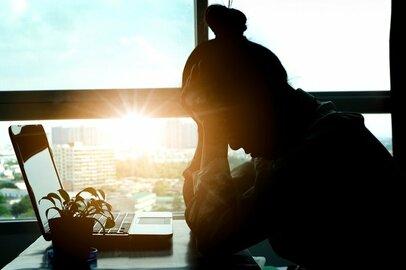 嫉妬と不安にさいなまれる毎日…それは愛情ではなく夫への依存かも?