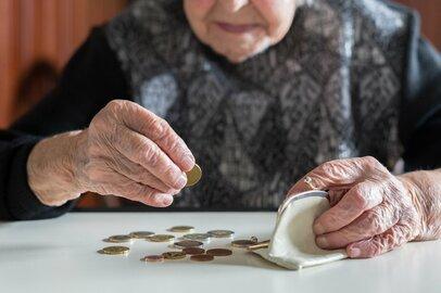 70代の平均貯蓄額とは?定年後「資金が足りない…」と焦らないために今できること