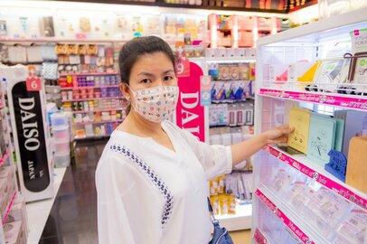 持ち歩きに便利。2枚マスク付「ダイソー110円マスクケース」予備と使用中の仕分も