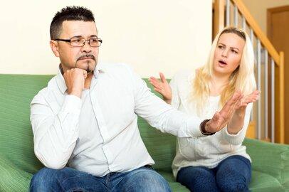 会話したい妻 vs. 無口な夫。平行線の夫婦に解決策はあるの?