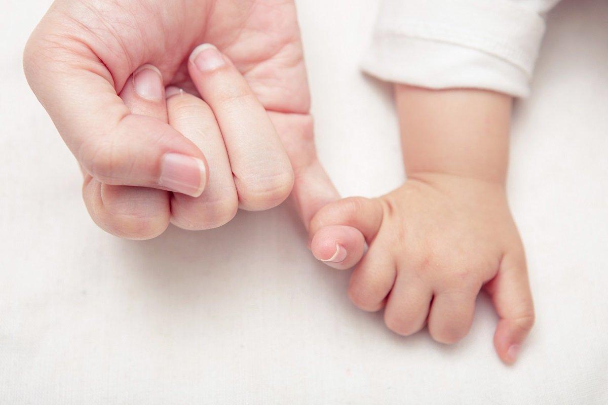 産後・育児うつの通院一時金も。スマホで申し込める「母子保険はぐ」が生まれた理由