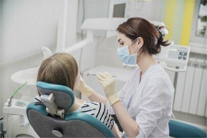 女性の歯科医師の給料はどのくらいか