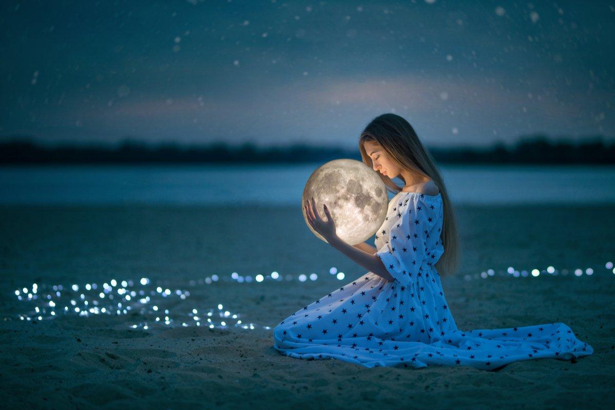 「新月のデクラレーション」「月の満ち欠けで体調変化」…月にまつわる言い伝え、どれくらい知ってる?