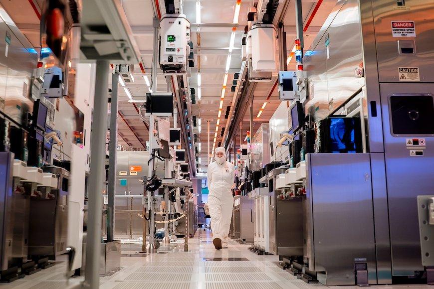 「インテル積極投資」で潤う装置・材料サプライチェーン