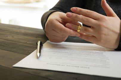 「離婚率の高い年代」と「離婚原因」の1位とは?未然に離婚を防ぐ手段