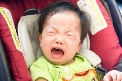 人前で子どもを叱れない母親たち。周りの人にも叱ってほしい?
