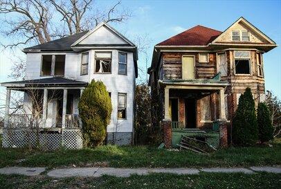 あなたの近所でも増え続ける「空き家」がまき散らす迷惑の種