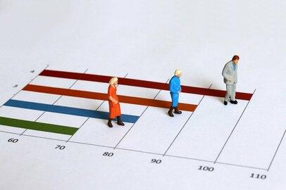 退職後の生活の対策を「移住、勤労、資産運用」で考える