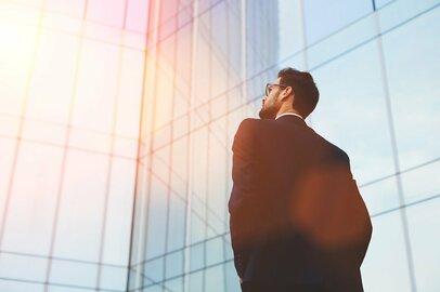 大企業を3年未満で退職!?「出世競争」「全国転勤」「関係が希薄」その理由とは?