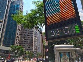 経済が危機的なのに活気あるブラジルの不思議