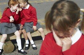 「いじめ」未満だけど意地悪なクラスメイト…親はどこまで介入すべき?