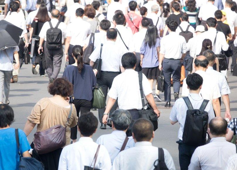 社会保障と安全保障、日本の「先送り」崩壊が直撃する世代は?