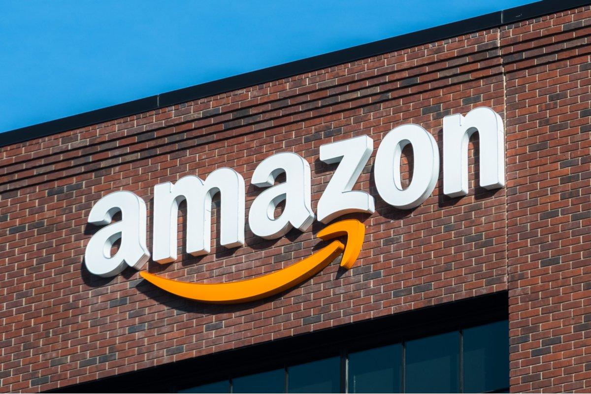 「Amazonの宣伝が本気すぎる」捕獲したエイリアンを都内で輸送中?SNSで目撃情報が相次ぐ