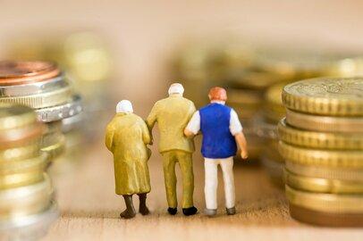 アラフィフ世代が知っておきたい「老後生活費の相場」と「年金受給額」