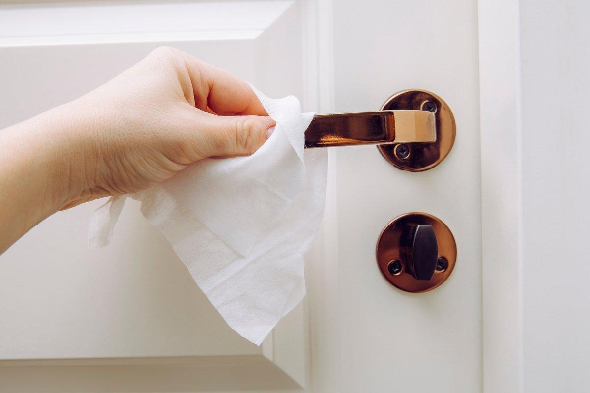 キッチン・ダイニングは「トイレの床」に匹敵!?菌汚染を防ぐ【除菌のポイント3つ】